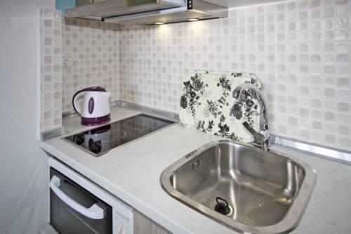 Kichen_5, Acrothea-Apartments, Ormos Panagias
